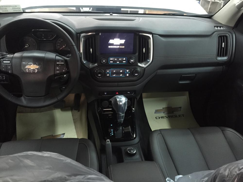 Bán xe Chevrolet Colorado 2017, màu trắng