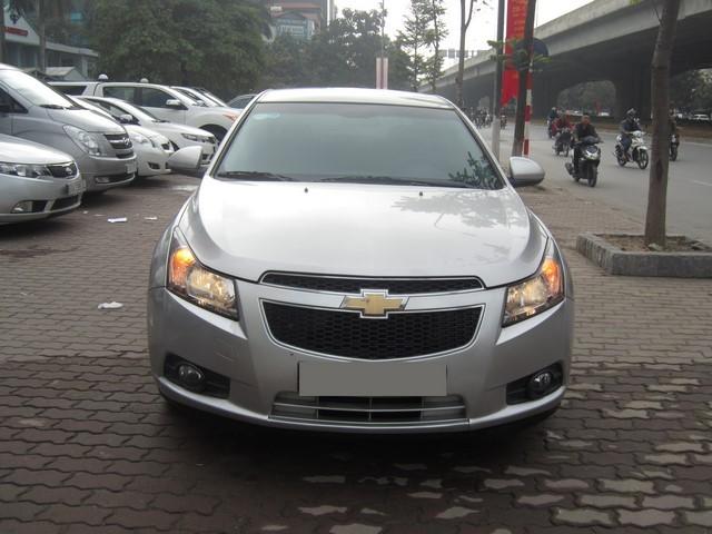 Cần bán lại xe Chevrolet Cruze 2013, màu bạc