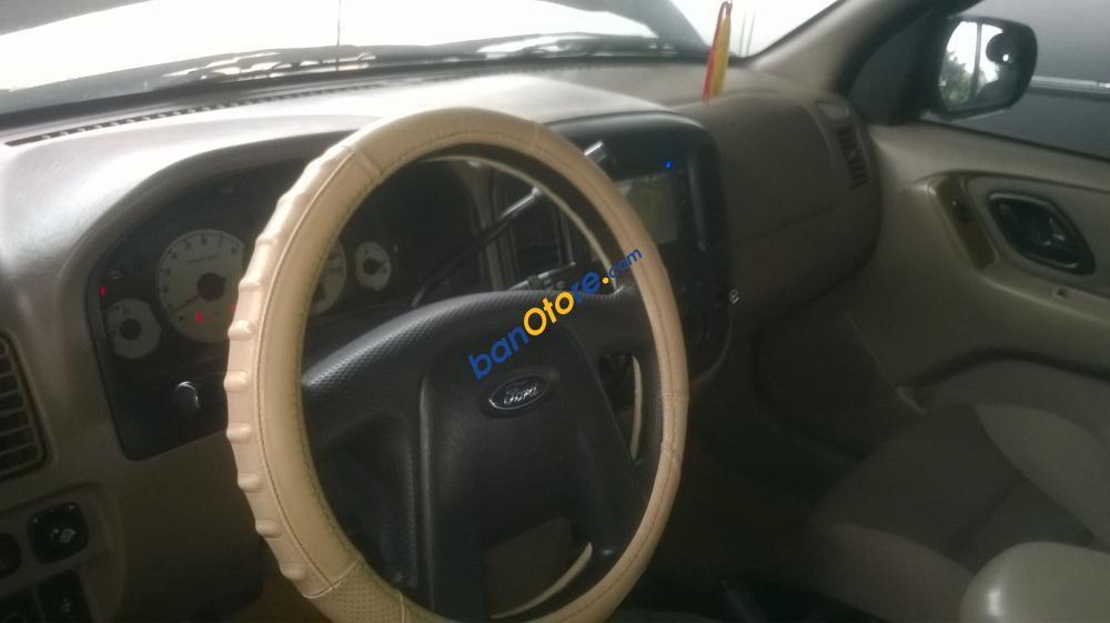 Cần bán lại xe Ford Escape XLS sản xuất năm 2004, màu đen xe gia đình, 275 triệu