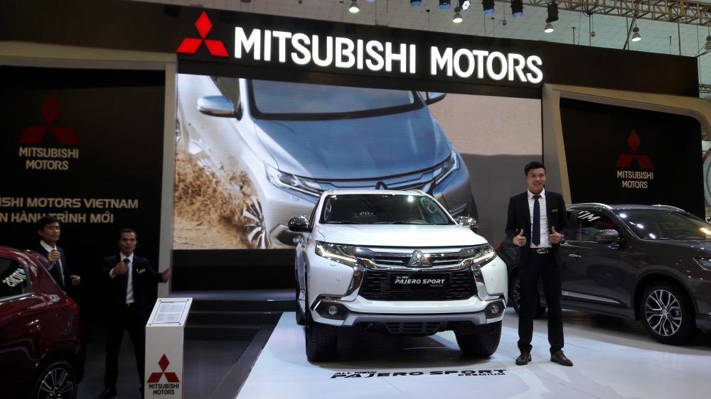Mitsubishi Pajero Sport NEW 2017, màu trắng, nhập khẩu nguyên chiếc