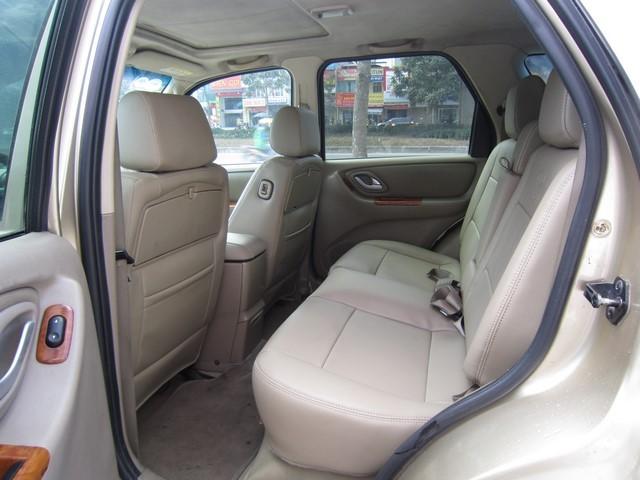 Cần bán Ford Escape 2005, màu vàng, giá chỉ 315 triệu