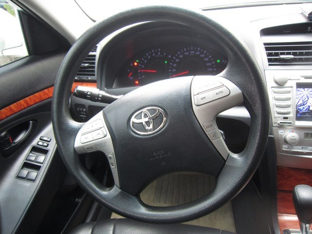 Cần bán Toyota Camry 2011, màu trắng, nhập khẩu