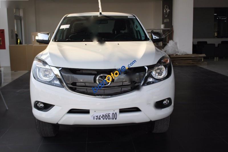 Cần bán xe Mazda BT 50 2.2 4X4 MT sản xuất 2016, màu trắng