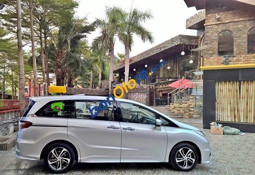 Bán Honda Odyssey 2.4 năm sản xuất 2016, màu bạc, xe nhập