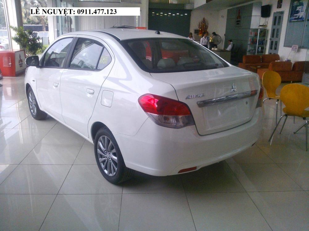 Bán ô tô Mitsubishi Attrage đời 2018, màu trắng, xe nhập