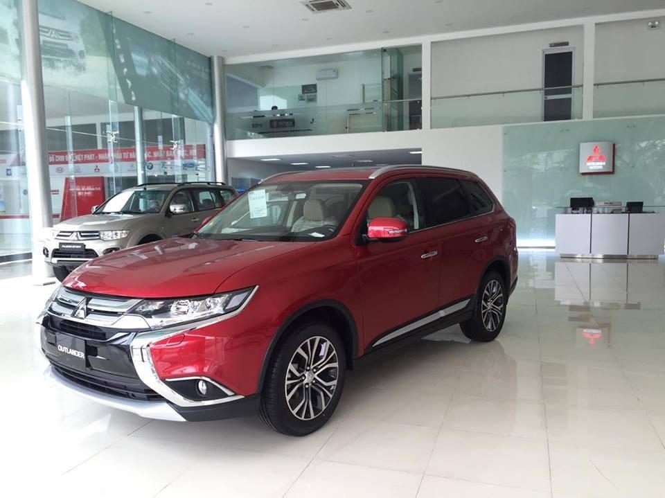 Bán xe Mitsubishi Outlander ở Đà Nẵng, kinh doanh du lịch tốt, hỗ trợ vay 80%, giá tốt nhất thị trường