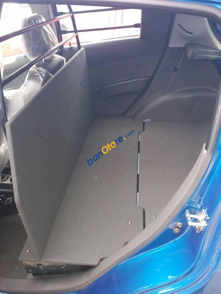 Bán ô tô Chevrolet Spark Van 1.2L năm 2017, màu xanh lam