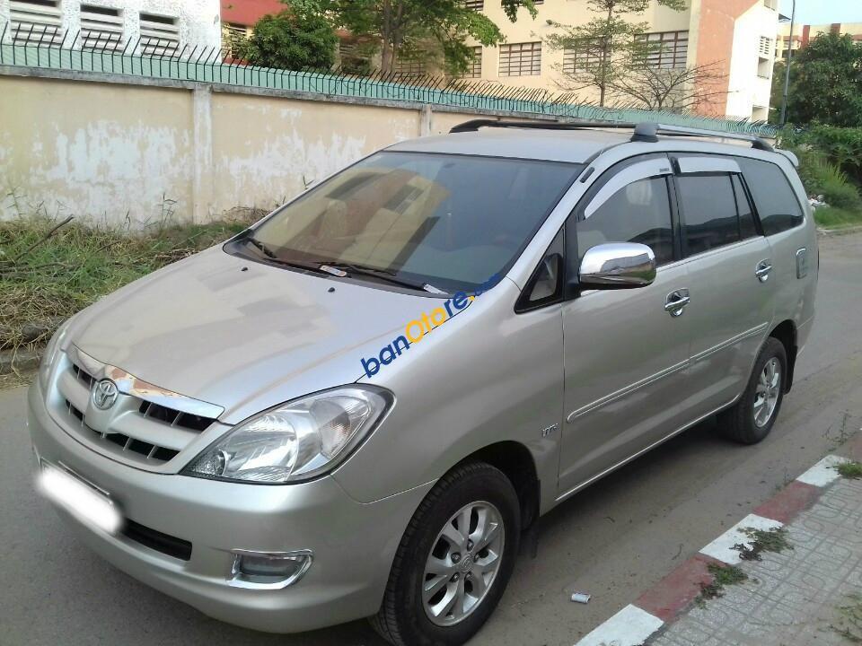 Bán Toyota Innova G sản xuất 2008, màu bạc số sàn