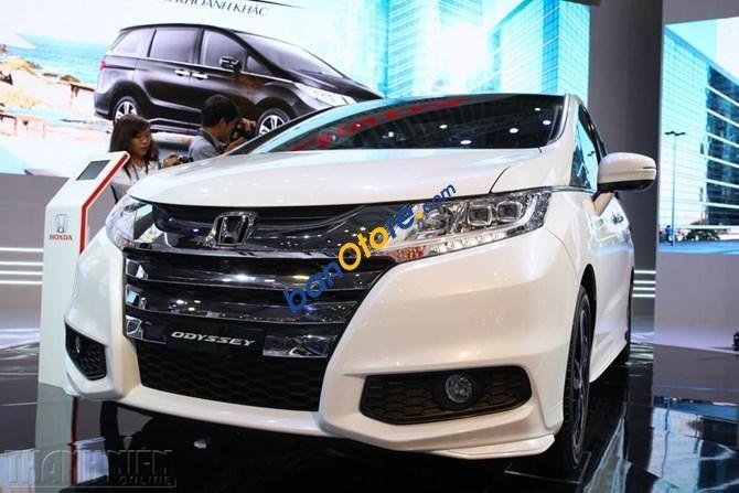 Cần bán xe Honda Odyssey 2.4AT năm 2017, màu trắng, nhập khẩu