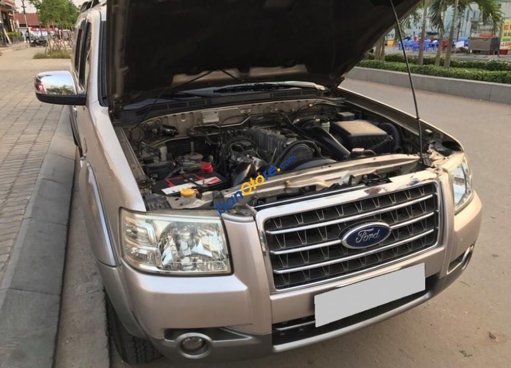 Bán Ford Everest MT năm sản xuất 2009, màu hồng còn mới