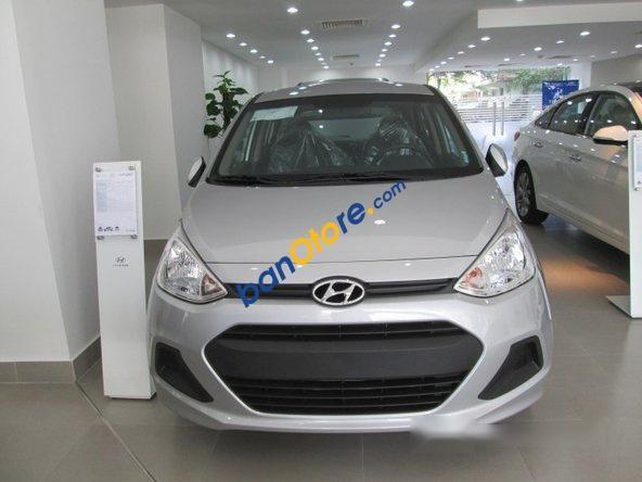 Bán Hyundai Grand i10 1.2 AT sản xuất 2017, màu bạc