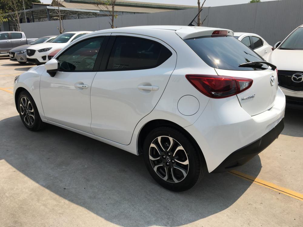 Showroom Mazda Bình Tân bán xe Mazda 2 5 cửa mới 100%, hộ trợ trả góp đén 85%!