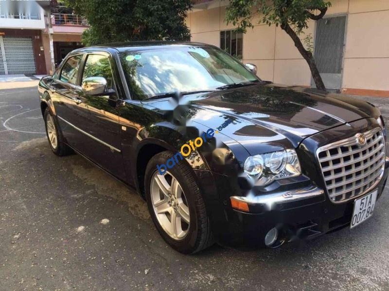 Bán gấp Chrysler 300C 2.7AT đời 2010, màu đen, xe nhập