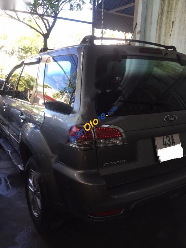 Bán xe Ford Escape đời 2009, màu xám, xe một chủ mua mới từ đầu, một cầu, số tự động