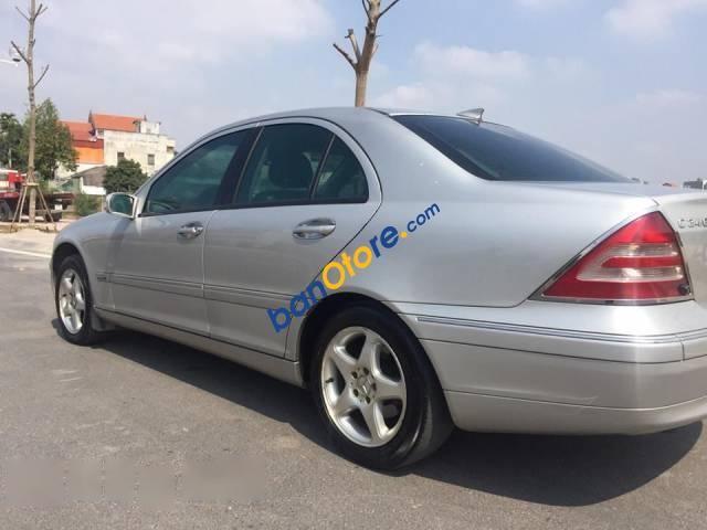 Cần bán lại xe Mercedes C200 Kompressor sản xuất năm 2003 như mới, 238tr