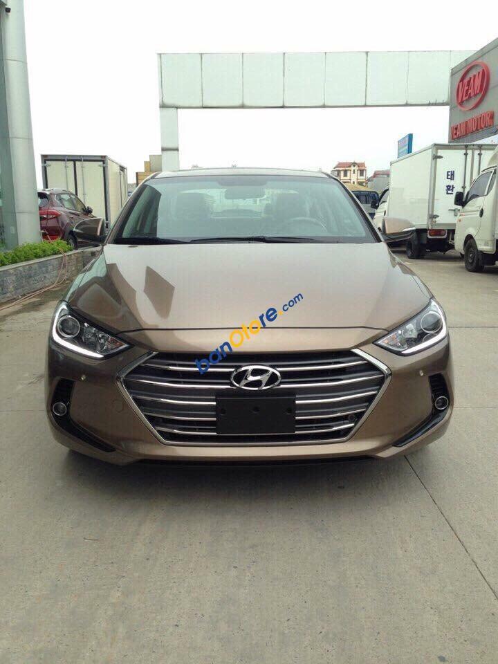 Bán Hyundai Elantra sản xuất 2017, màu nâu giá cạnh tranh