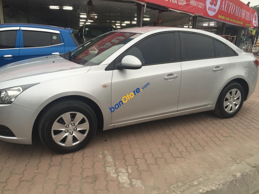 Cần bán Daewoo Lacetti SE năm 2010, màu bạc, nhập khẩu