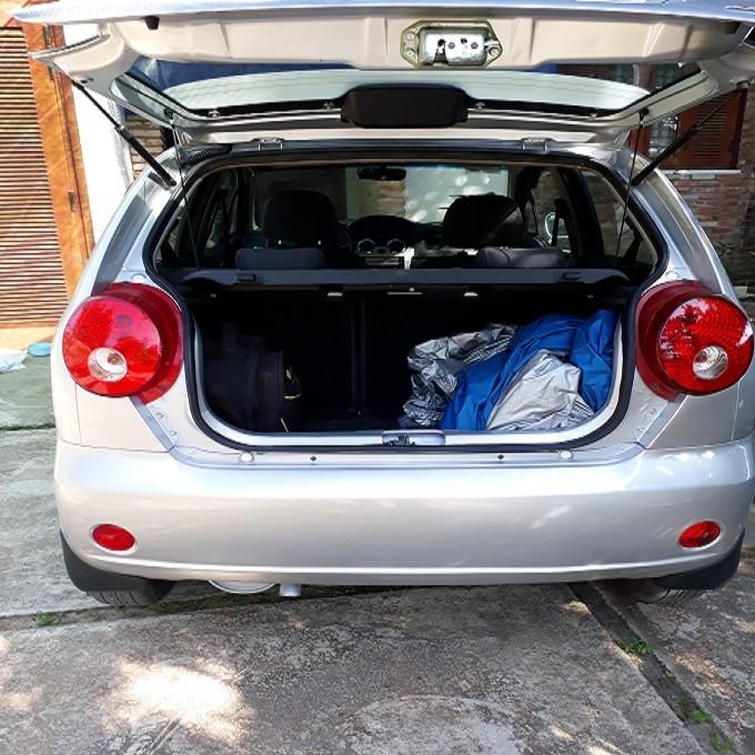 Xe Chevrolet Spark lite đời 2012, màu bạc, số sàn