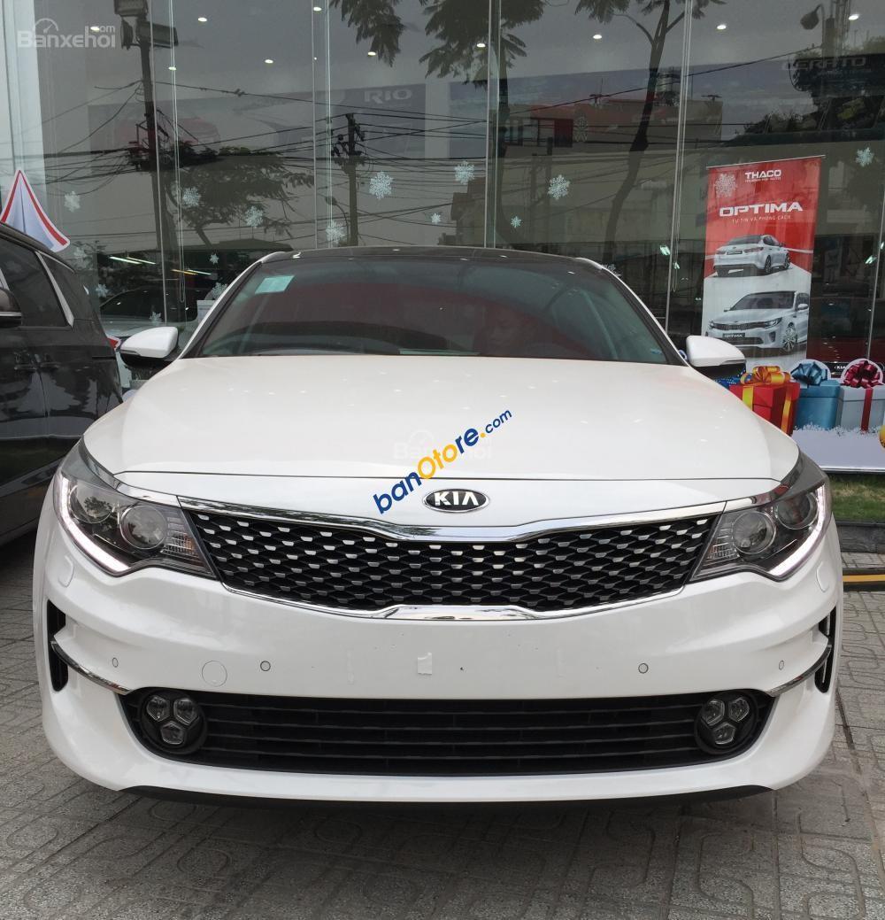 Bán xe Kia Optima 2.0 GATH đời 2018, màu trắng