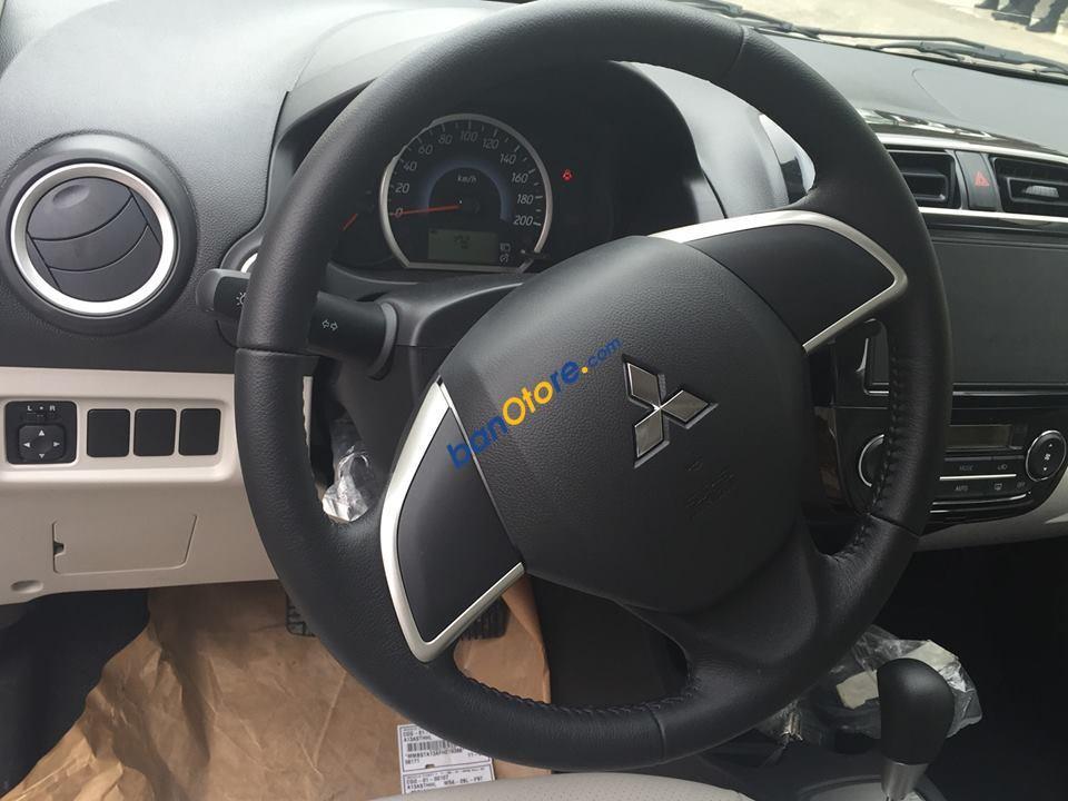 Cần bán Mitsubishi Attrage đời 2017, màu xám