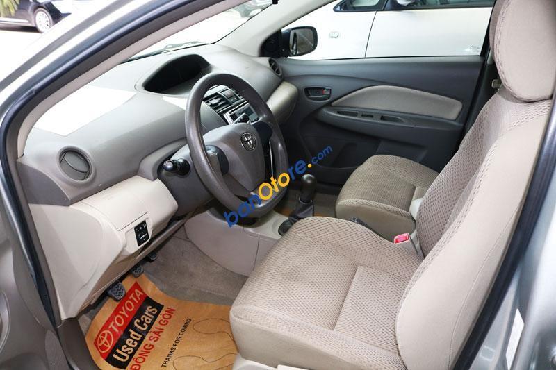 Bán xe Vios E sản xuất 2012 màu bạc