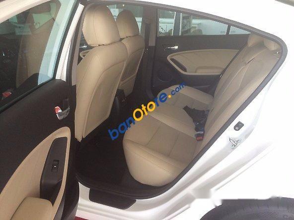 Bán ô tô Kia Cerato 1.6 sản xuất 2017, màu trắng