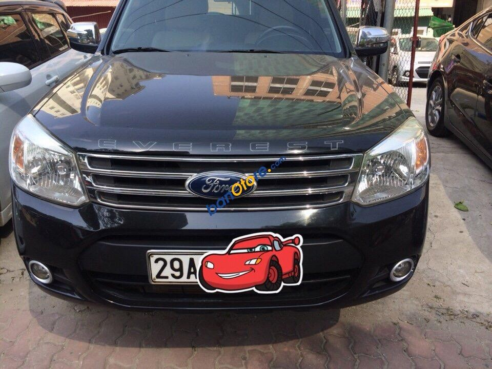 Cần bán lại xe Ford Everest năm sản xuất 2013, màu đen chính chủ