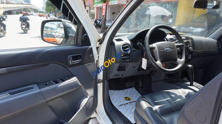 Bán xe Ford Everest sản xuất 2013, màu trắng, giá chỉ 685 triệu