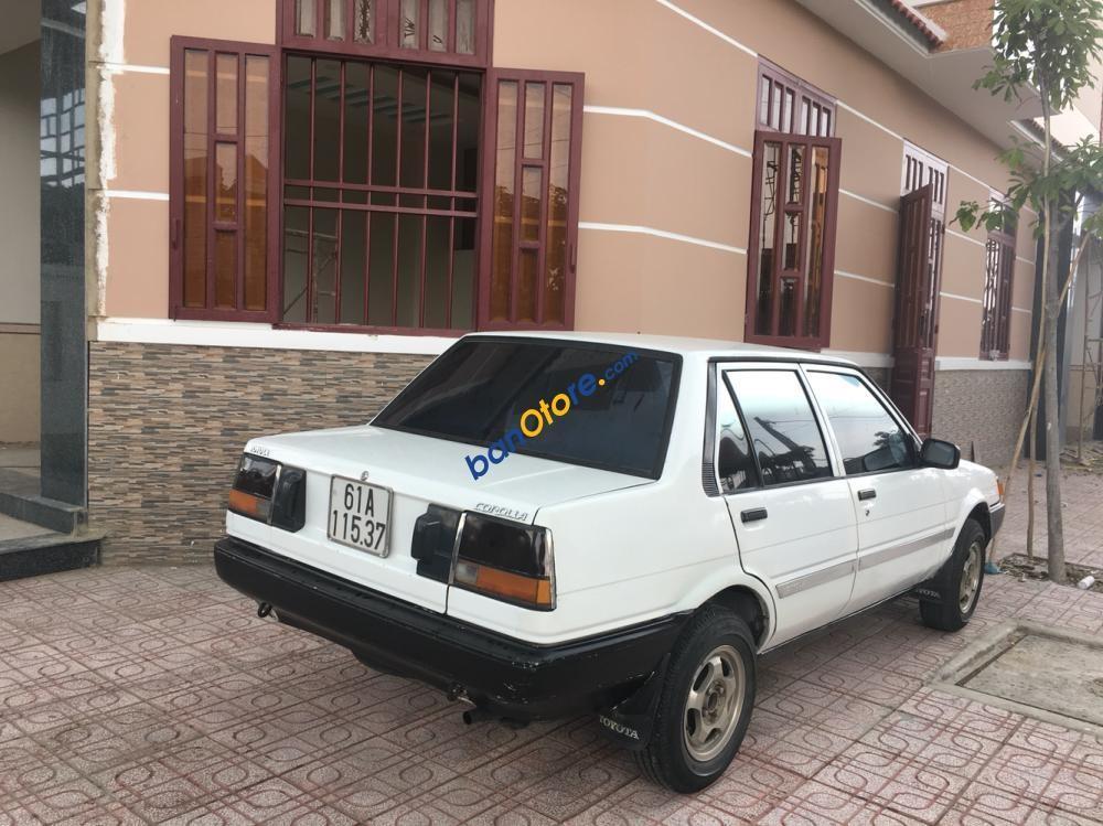 Cần bán Toyota Corolla sản xuất năm 1986, màu trắng, nhập khẩu