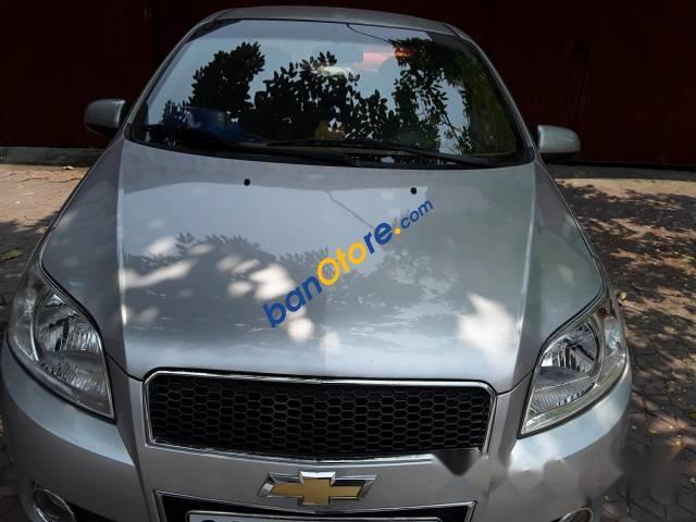 Cần bán lại xe Chevrolet Aveo năm sản xuất 2015, màu bạc