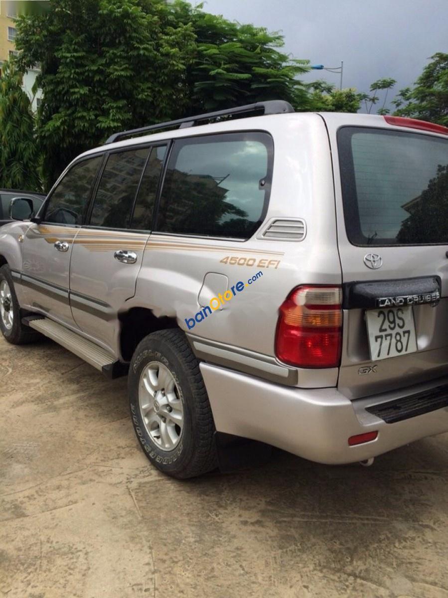 Cần bán gấp Toyota Land Cruiser GX đời 2003, xe tên tư nhân, máy êm, điều hòa mát sâu