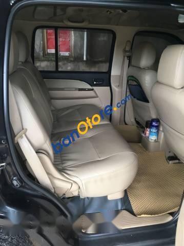 Bán Ford Everest năm sản xuất 2011, màu đen, giá 555tr