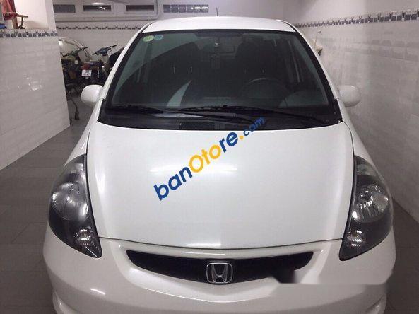 Chính chủ cần bán gấp Honda FIT đời 2006, màu trắng, xe nhập Mỹ