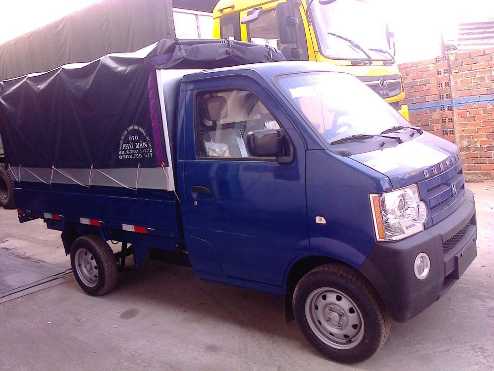 Bán xe tải Dongben 810kg đời 2017 màu xanh thùng mui bạt