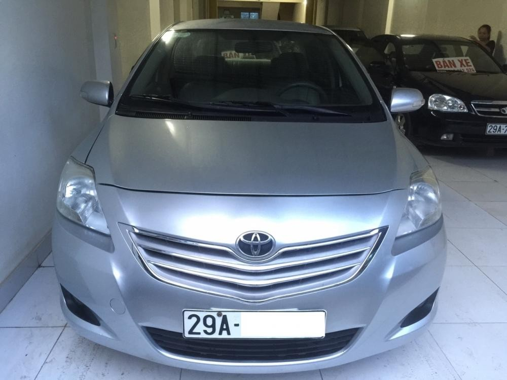 Bán ô tô Toyota Vios E 2011, màu bạc