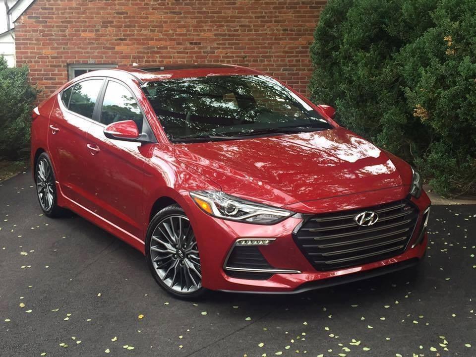 Bán ô tô Hyundai Elantra đời 2021, màu đỏ