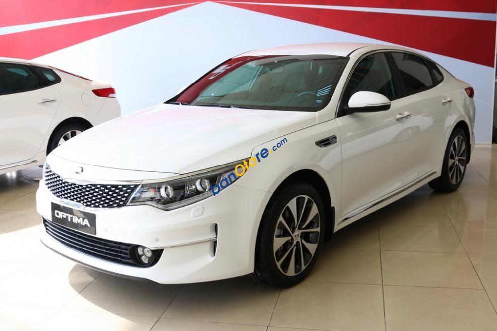 Bán ô tô Kia Optima sản xuất năm 2017, màu trắng