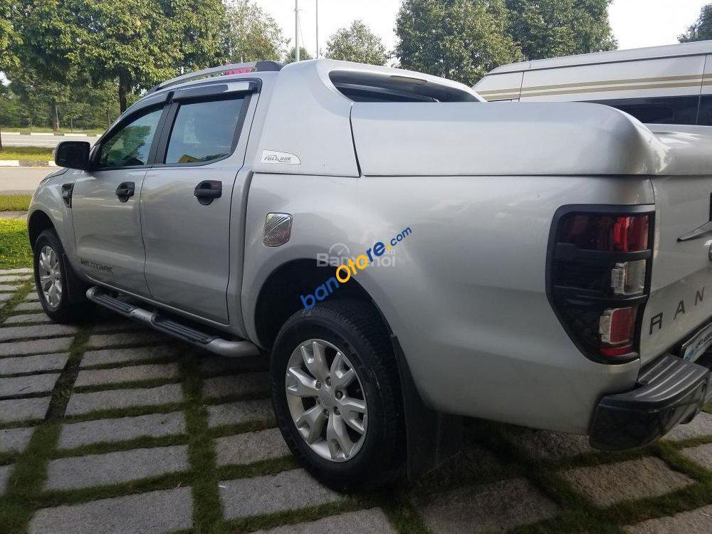 Bán Ford Ranger Wildtrak năm 2015, màu bạc, xe nhập