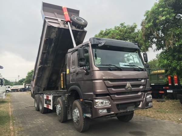 Xe Ben Howo 4 chân thùng dài 6.4M