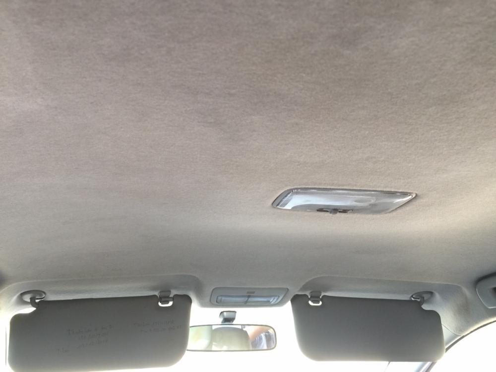 Bán xe Toyota Vios E 2011, màu bạc