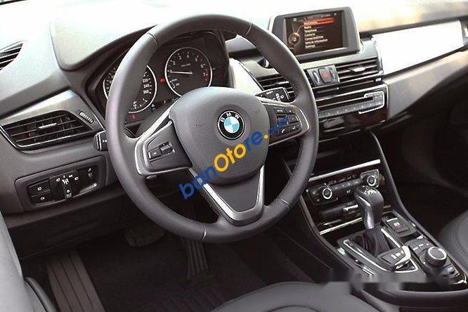 Bán ô tô BMW 2 Series 218i đời 2016, màu trắng