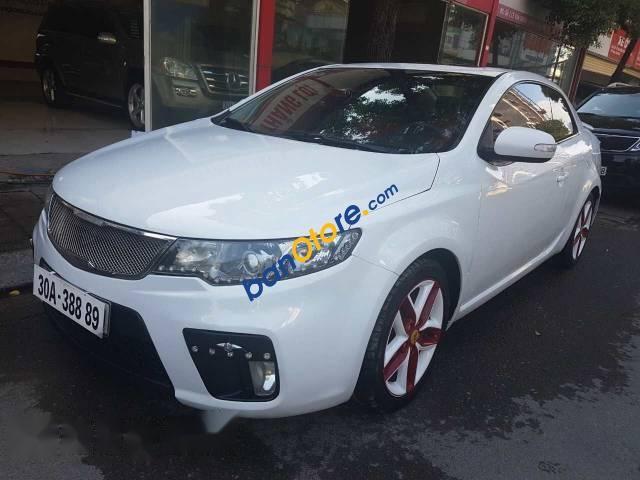 Cần bán xe Kia Forte Koup đời 2010, màu trắng, giá chỉ 410 triệu