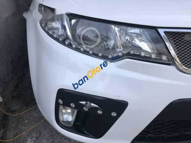 Chính chủ bán Kia Forte Koup 1.6AT đời 2010, màu trắng, xe nhập