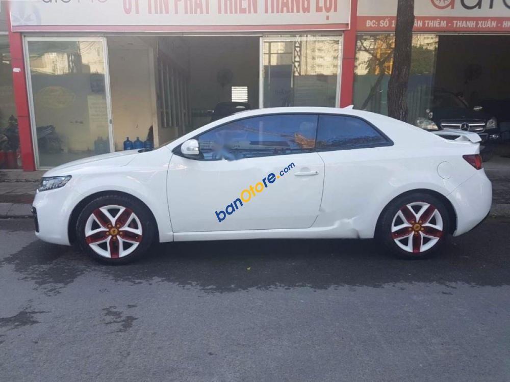 Bán Kia Forte Koup 1.6 AT đời 2010, màu trắng, nhập khẩu giá cạnh tranh