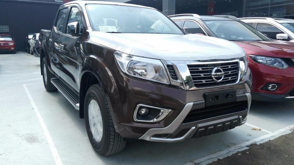 Bán Nissan Navara đời 2017, màu nâu, xe nhập