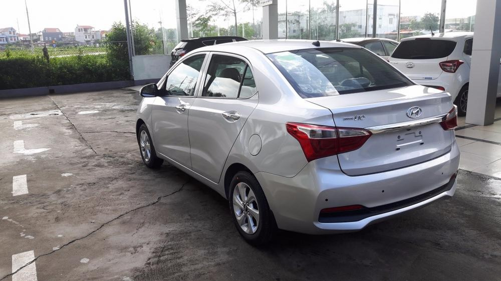Bán xe Hyundai Grand i10 đời 2017, màu bạc, nhập khẩu
