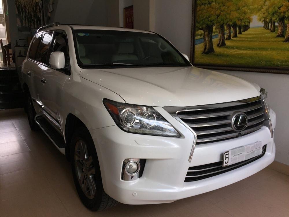 Cần bán lại xe Lexus LX 570 năm 2013, màu trắng, nhập khẩu nguyên chiếc, xe gia đình
