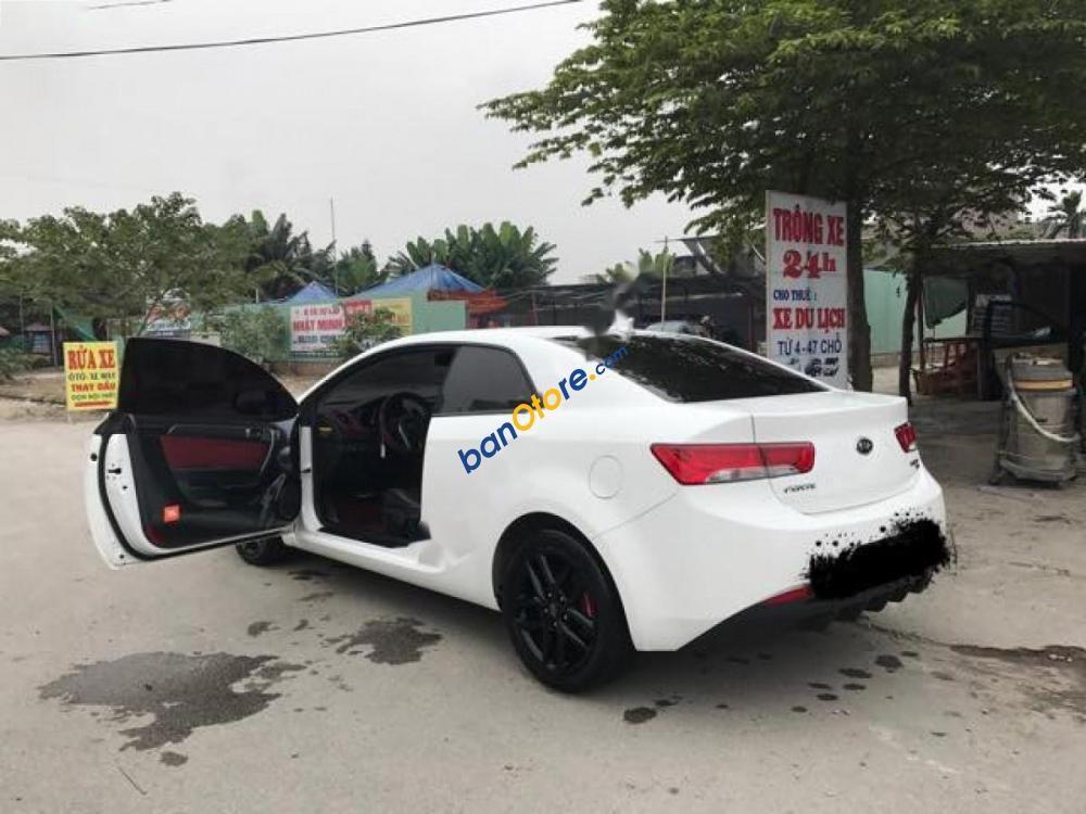 Cần bán lại xe Kia Forte Koup GDI đời 2011, màu trắng, chính chủ