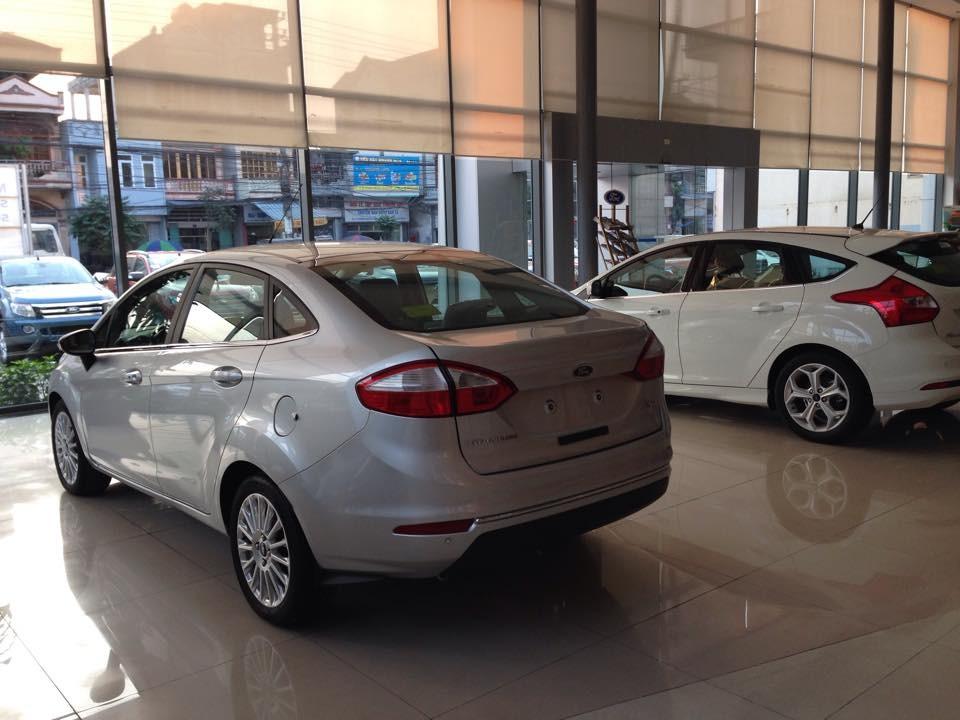 Bán Ford Fiesta 1.5 Titanium 2018, màu bạc, mới 100%. L/H giá tốt nhất 090.778.2222