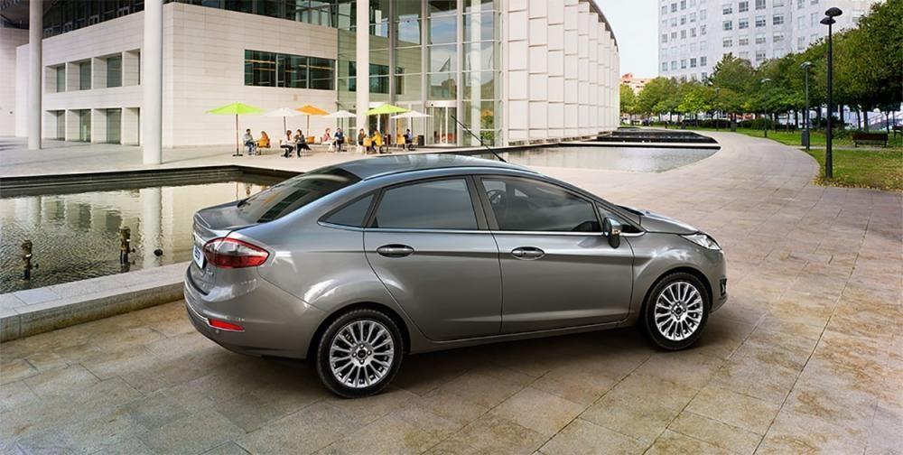 Bán Ford Fiesta 1.5 Titanium 2018, màu ghi ánh thép, mới 100%. L/H giá tốt 090.778.2222
